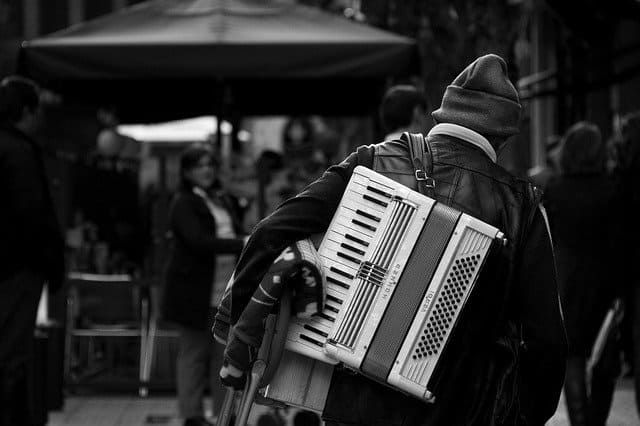 tramp bilbao accordion music